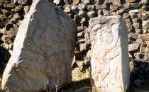 """stelae """"Los Danzantes"""", Monte Albán - Oaxaca, Mexico"""