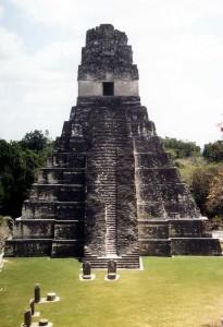 Tikal-Tempel-1-Front