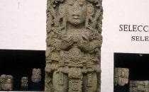 Stele A - Museum von Copán, Honduras