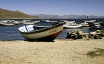 Fischerboote am Titicacasee, Bolivien