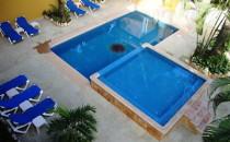 Hotel Chablis Pool