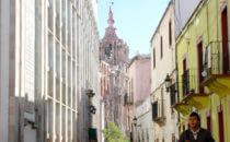 Blick auf die Templo de la Compañía de Jesús von der Universität, Guanajuato, Mexiko