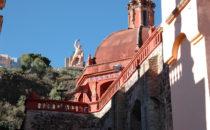 "Kathedrale mit ""El Pipila"" im Hintergrund, Guanajuato, Mexiko"
