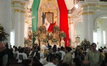 Kathedrale am Día de la Virgen de Guadalupe