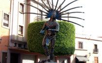 Statue Conchero-Tänzer, Querétaro, Mexiko