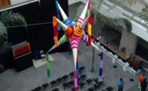 Piñata im Museo de Arte Popular