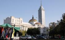 Blick auf den Torre Latinoamericana und den Palacio de Bellas Artes, Mexico City