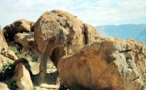 """Elephant Rock"" nahe des Brandberg, Namibia"