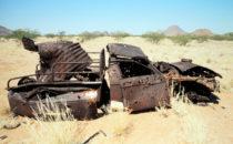 LKW-Wrack in der Wüste