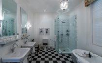 Drostdy Hotel, bathroom, Graaff-Reinet, South Africa