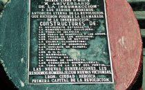 Gedenktafel für die anonymen Helden der Revolution