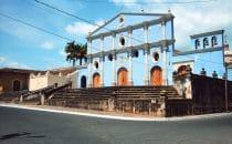 Kirchenfassade in Granada, Nicaragua