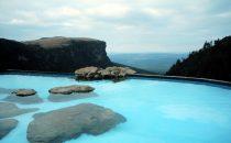 Drakensberge, Infinity-Pool mit Blick, Südafrika