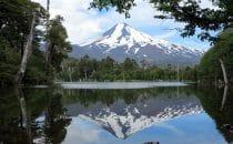 Laguna Captrén mit Blick auf den Vulkan Llaima, Chile, © Bertram Roth