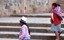 Frauen in tradioneller Tracht in Cusco, Peru