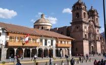 Plaza de Armas in Cusco mit Templo de la Compañía de Jesús, Peru