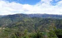 Blick von Kuélap auf das Bergland von Chachapoyas, Peru