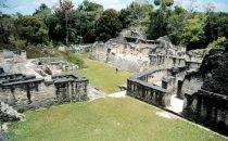 Mundo Perido in Tikal, Guatemala