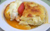 Rocoto Relleno – scharfer Paprika mit Rindfleisch gefüllt und Käse überbacken