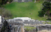 Blick vom Haupttempel Xunantunich, Belize