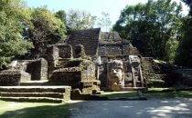Tempel mit Maske, Lamanai, Belize