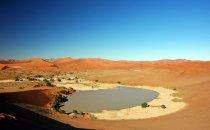 Sossusvlei mit Wasser, Namibia