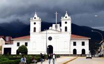 Kathedrale und Plaza de Armas, Chachapoyas, Peru