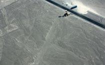 """Flug über die Nazca-Linien """"Baum"""" und """"Hände"""", Nazca, Peru"""