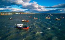 Fischerboote in Puerto Natales, Patagonien, Chile