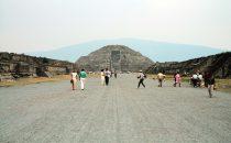 Straße der Toten in Teotihuacán