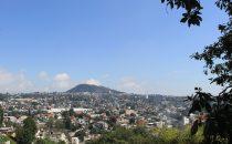 Blick über Xalapa auf den Hügel von Macuitletepl, Veracruz, Mexiko