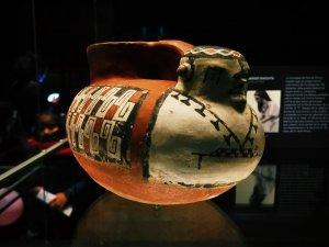 Jarro pato - Keramikgefäß der Diaguita-Kultur, im Museo Chileno de Arte Precolombino, Santiago de Chile